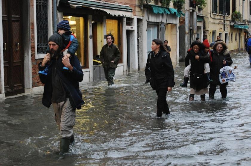 acqua-alta-venezia-30-novembre-2009