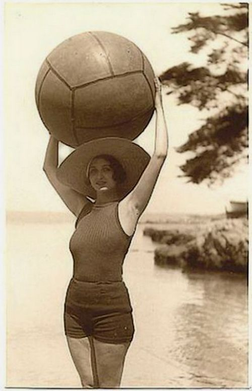 Рене Перль в Juan les Pins, 1931