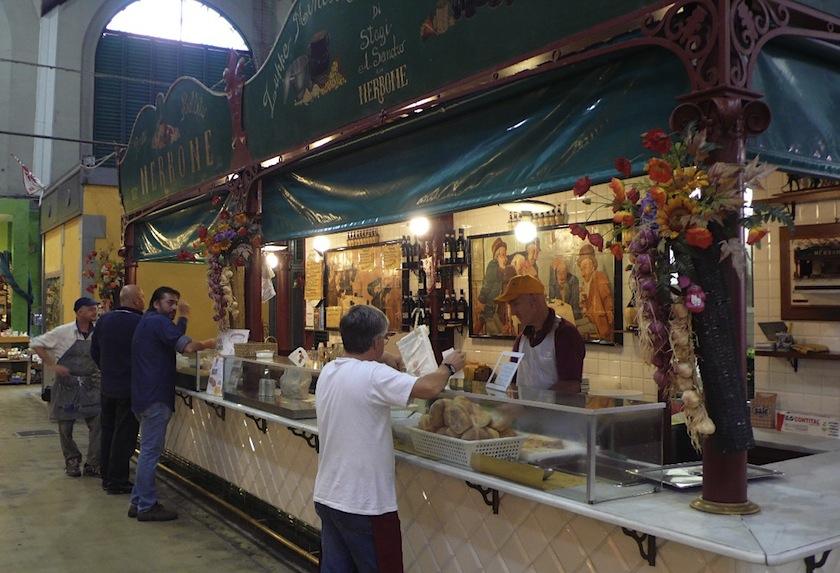 забегаловка Da Nerbone на центральном рынке Флоренции