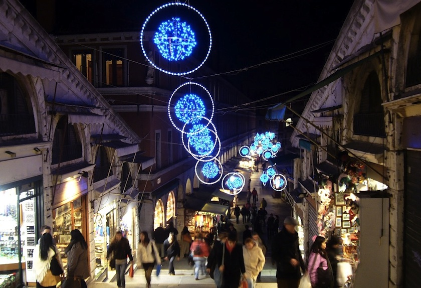 Рождество в Венеции, декор моста Риальто