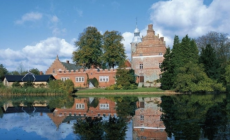 Broholm, замок Брохольм