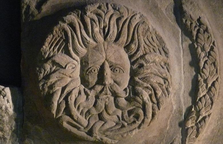 одно из сохранившихся изображений бога Белен (Belenus) в римских термах