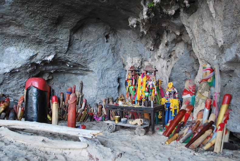 Пещера с фаллосами Пхра Нанг (Phra Nang cave)