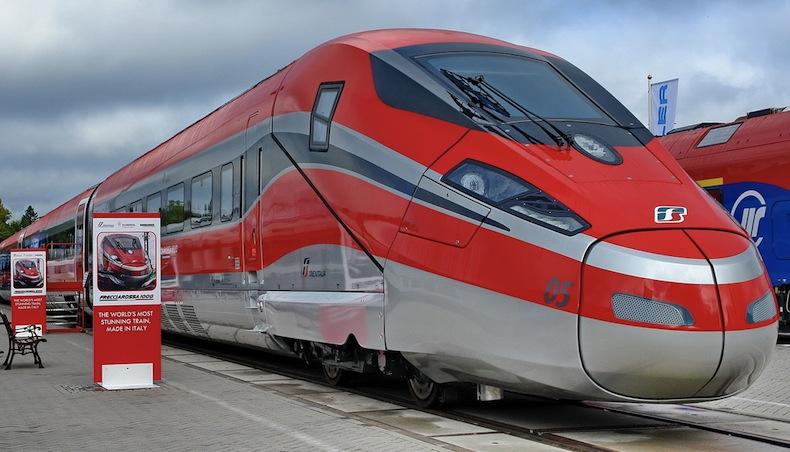 поезда Италии frecciarossa-1000-auch-zefiro-300-818409