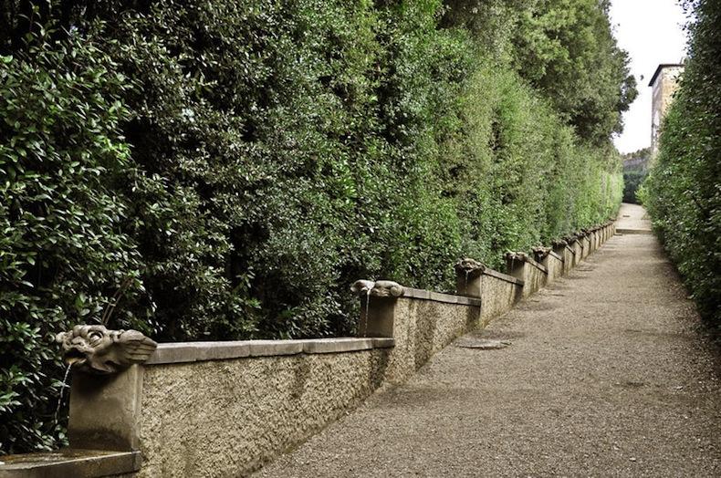 Фонтан маленьких уродливых лиц, сады Боболи, Флоренция