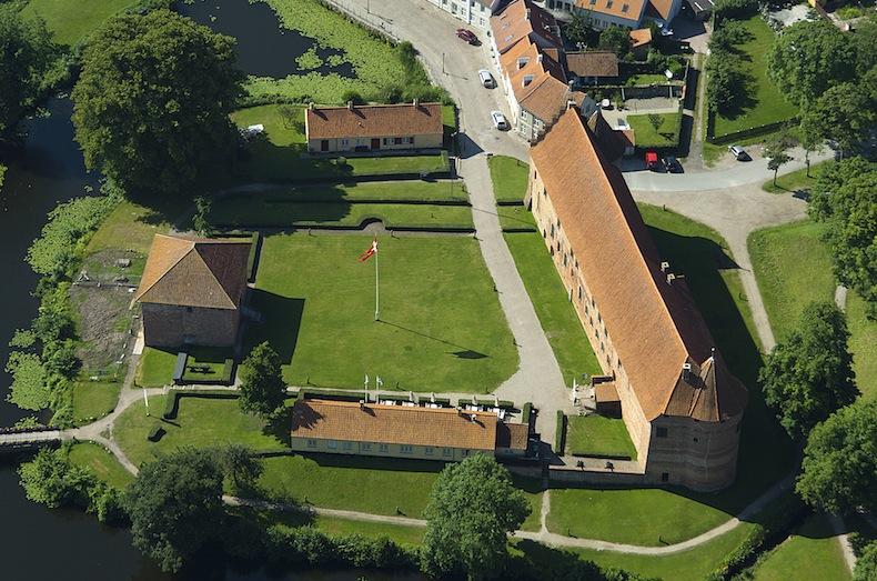 Средневековая крепость Нюборг