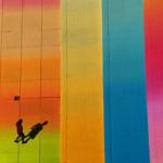 Безумный бассейн в Нью-Йорке — разноцветное гнездо кукушки