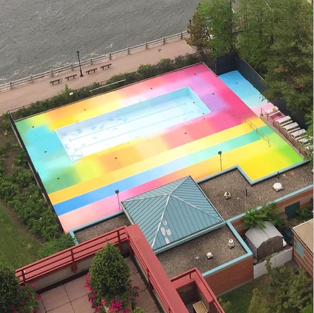 цветной бассейн в Нью-Йорке