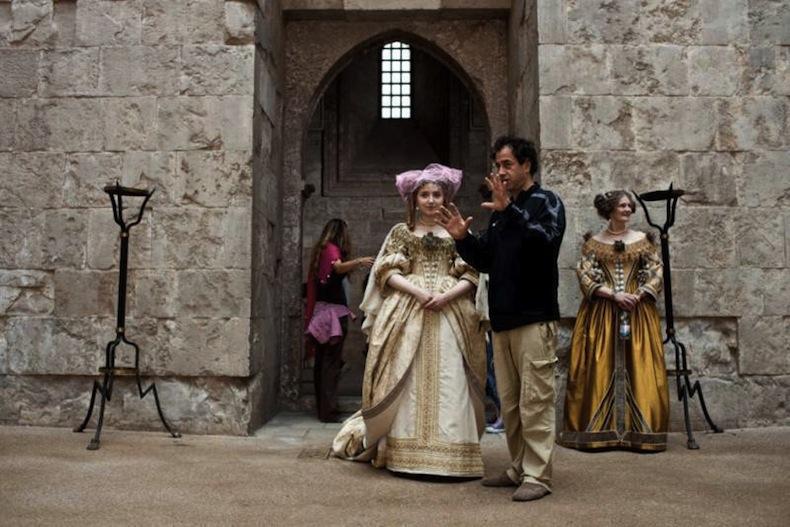 "Съемки ""Сказки сказок""  («Il racconto dei racconti») в Кастель-дель-Монте (Castel del Monte)."