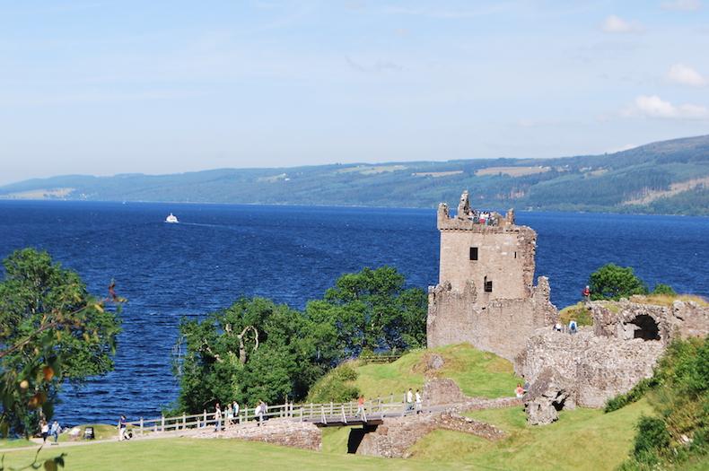 Scotland ЗАМОК УРКУХАРТ (CASTLE URQUHART) Шотландия