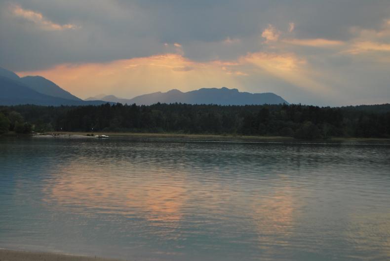 закат на озере, Австрия