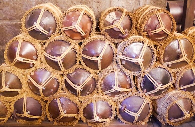 Завод сётю на Кюсю, терракотовые емкости для сетю