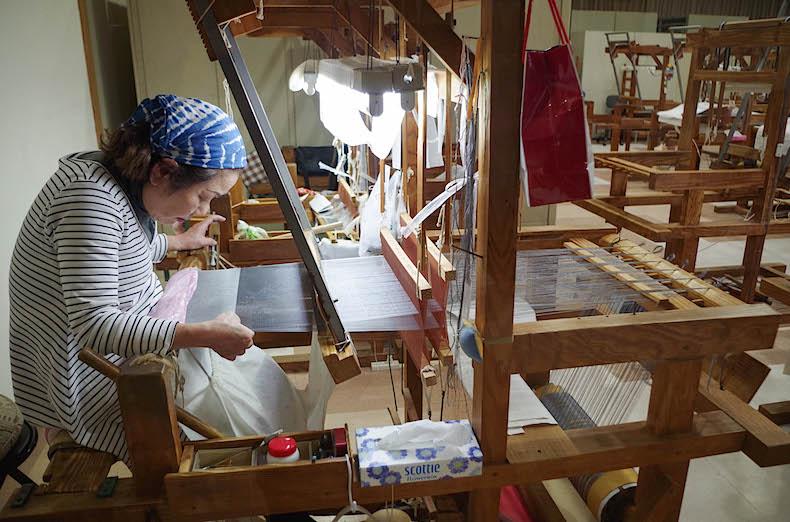 фабрика кимоно в саду Амами-но-Сато