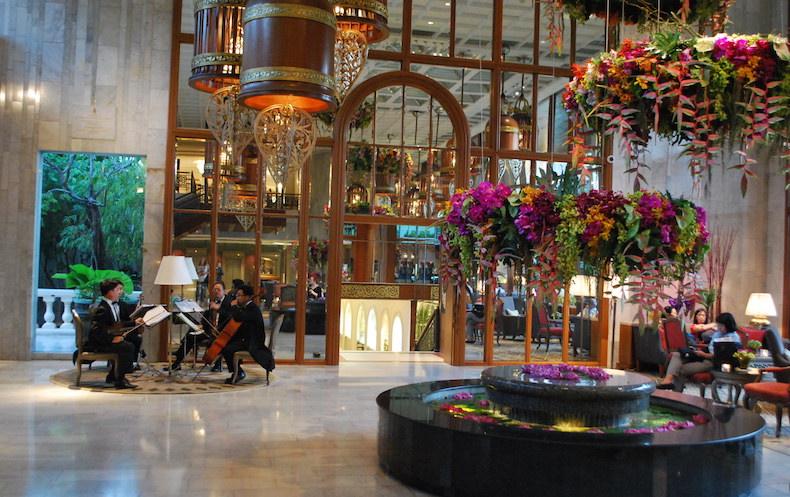 холл отеля Mandarin Oriental