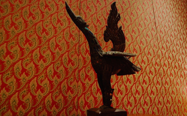 статуэтка в номере номер Сомерсета Моэма в отеле Mandarin Oriental