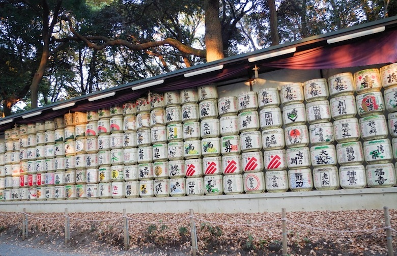 Бочки с саке в парке Мэйдзи