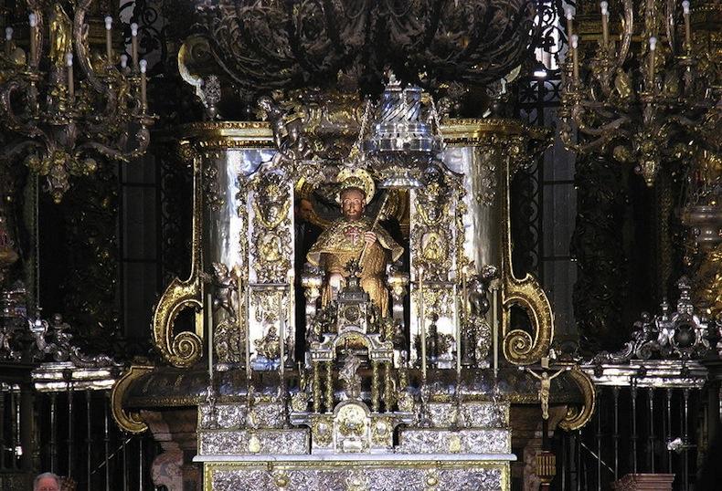 800px-Santiago_Catedral_060510_001