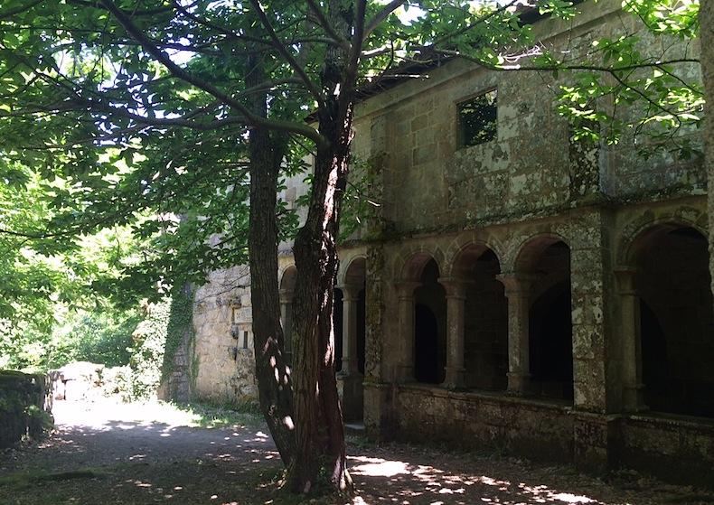 енедиктинский монастырь Санта Кристина де Ривас де Силь (Santa Cristina de Ribas de Sil)
