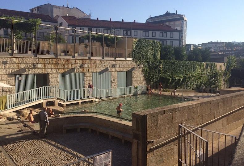 бесплатные термальные купальни в городе Оренсе, Галисия