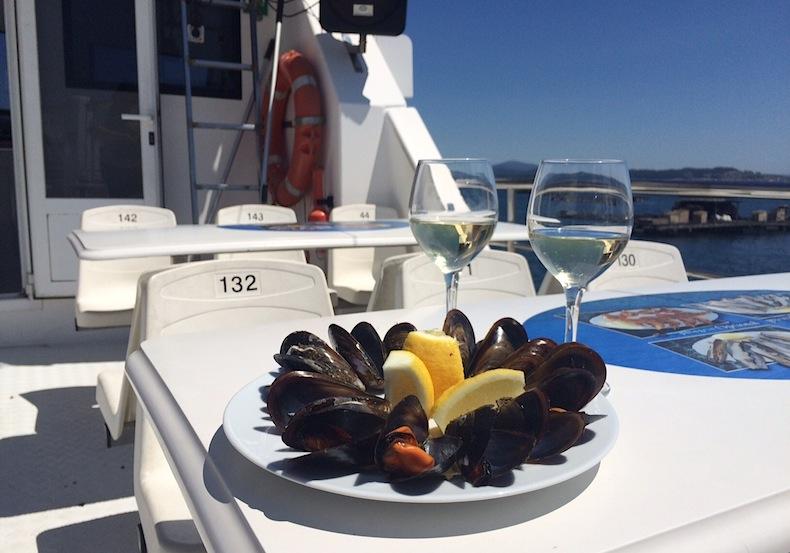 дегустация мидий на кораблике в О Грове