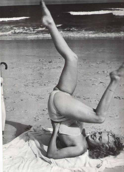 Marilyn Monroe photographed by André de Dienes, 1949