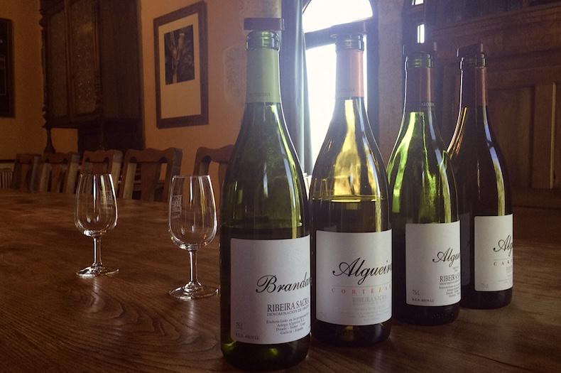 вино Рибейра Сакра на винодельне Бодегас Альгера (Bodegas Algueira)