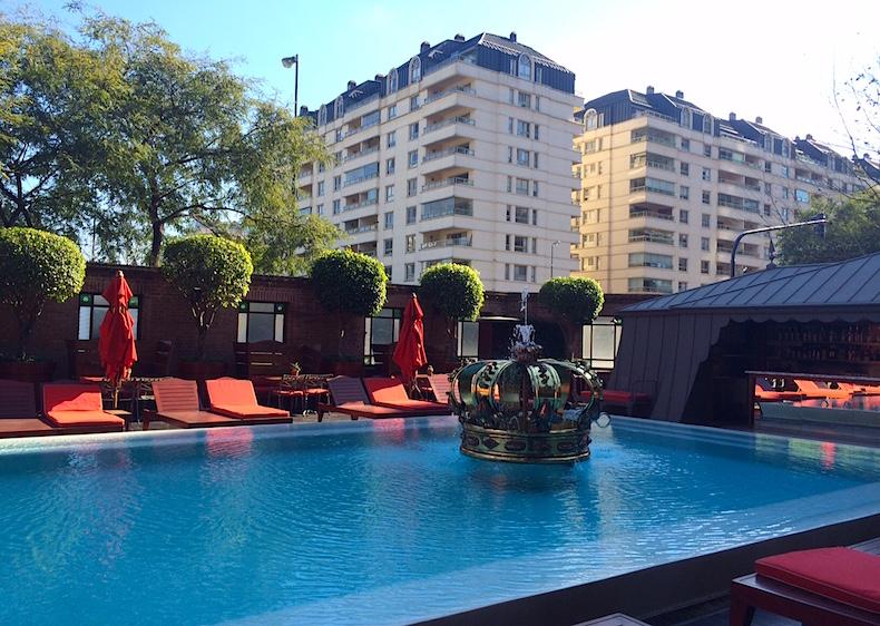 отель Faena, бассейн с короной