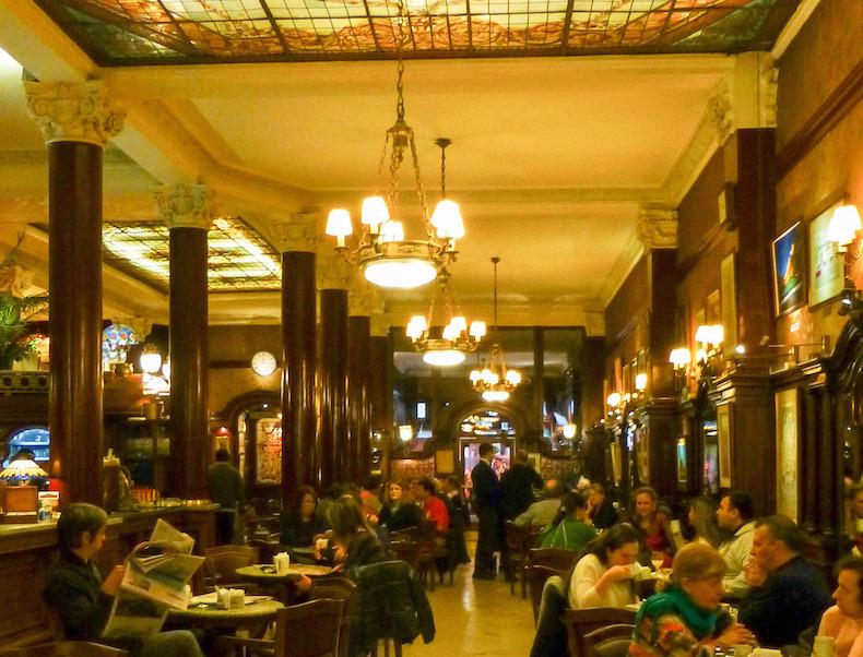 историческое кафе Tortoni, Буэйнос - Айрес