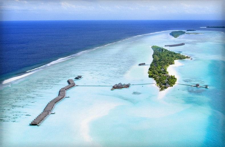 LUX Maldives, вид на остров с высоты, Мальдивы