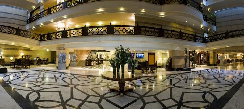 Лобби отеля Panamericano, Буэйнос-Айрес