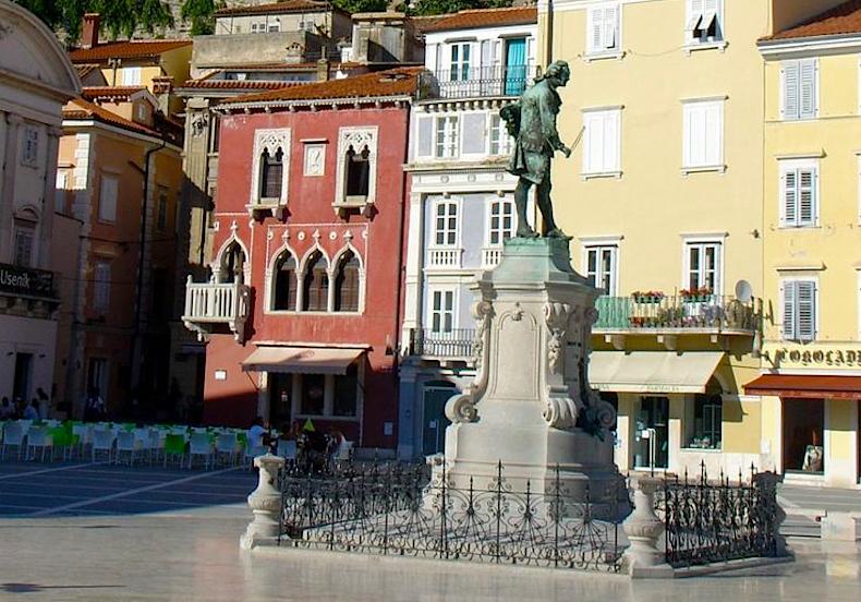памятник  Джузеппе Тартини в Пиране