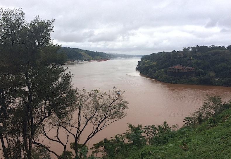 река Игуацу, Катаратас дель Игуасу