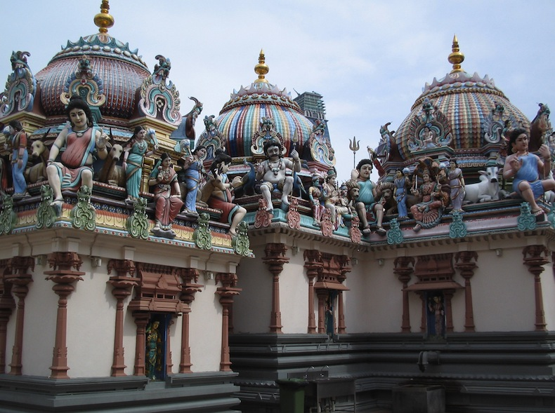 индуистский храм Sri Mariamman
