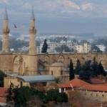 Кипр: расклеенный остров или один день за чертой