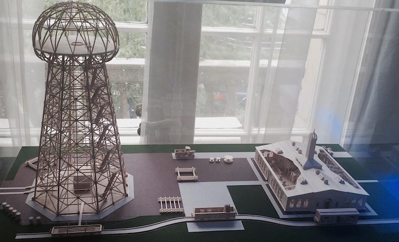 модель трансформатора Теслы в музее Теслы