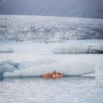 Удивительный зимний арт: снежный дракон и спящая во льдах женщина