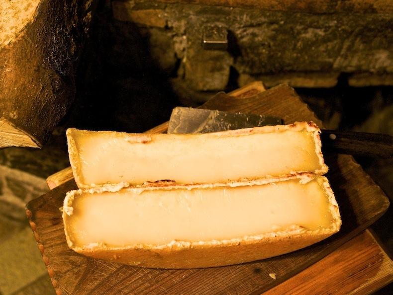 Сыр для раклета