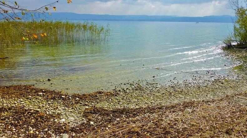 озеро Невшатель