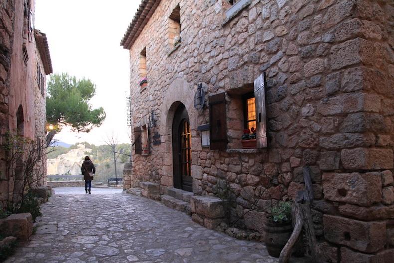 каменные домики Сиураны, фото Бориса Палтусова