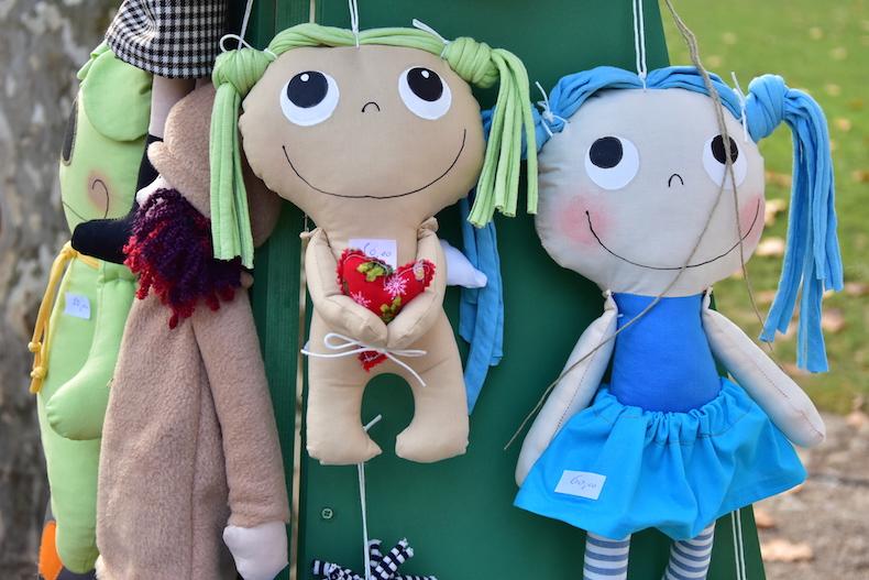 куклы Дуни Ниемчич на ярмарке Загреба