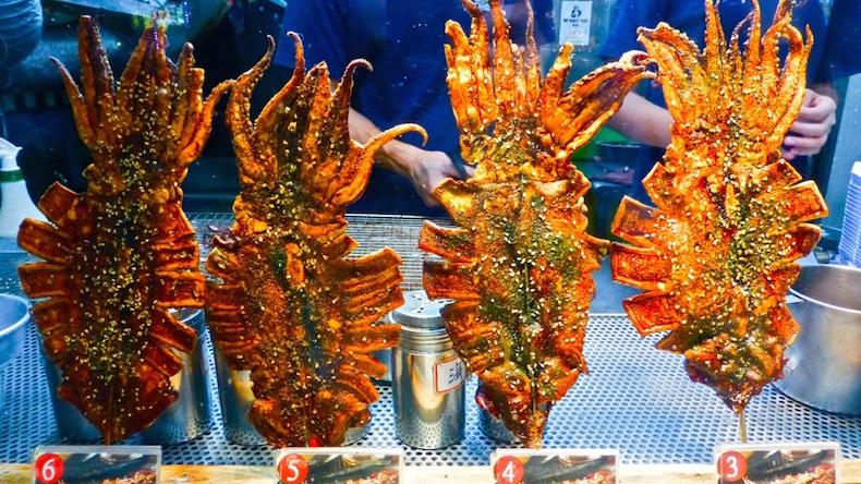 Жареные кальмары на Fengjia