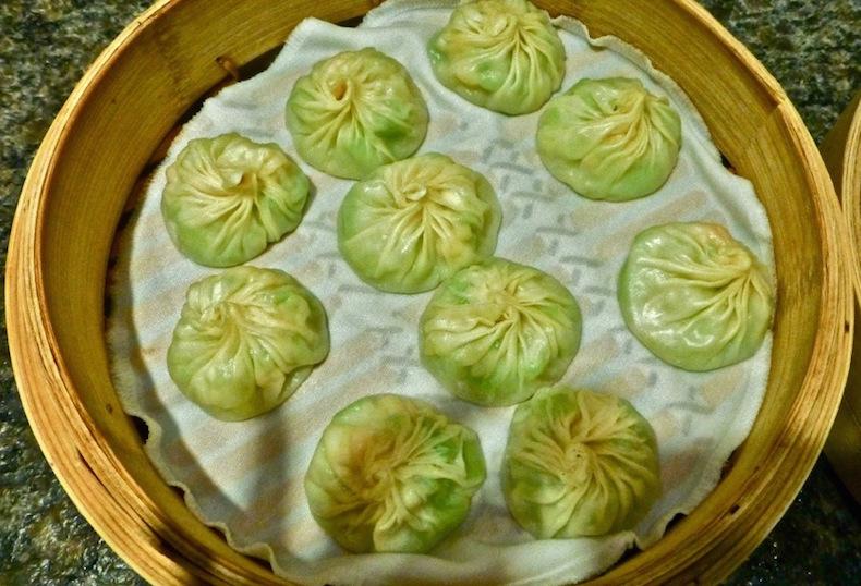 Сяолунбао с овощами в Din Tai Fung