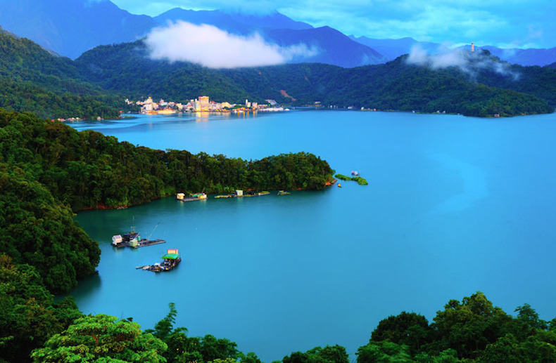 Озеро Солнца и Луны (Sun Moon Lake) Тайвань