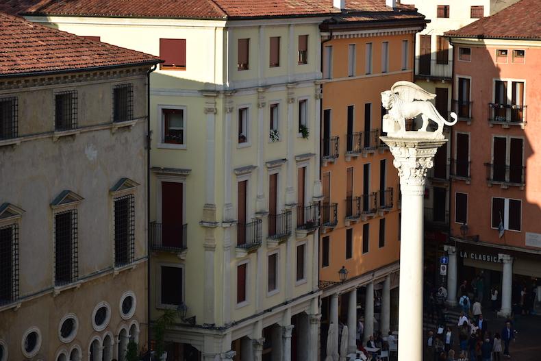 центральная площадь Виченцы, Венето, Италия
