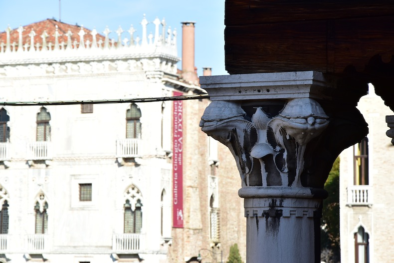 колонны на Риальто