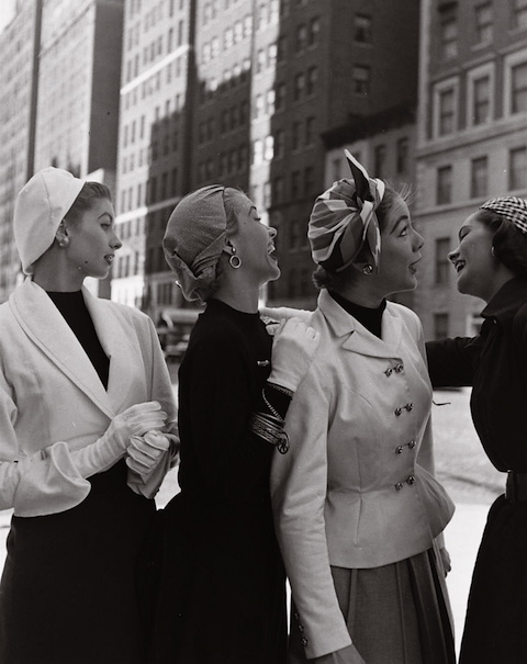 модели на улице Нью-Йорка, 1952 год