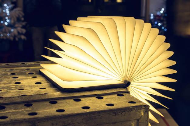 лампа-книга в раскрытом виде