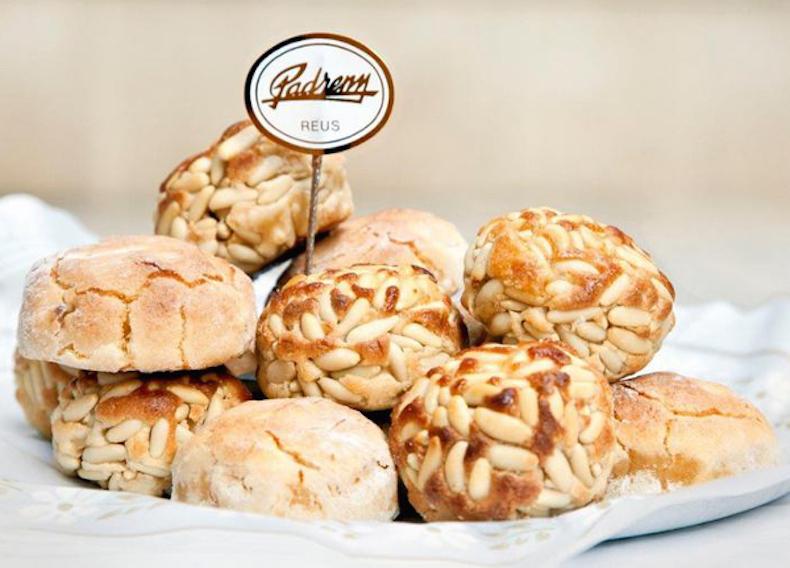 Панальетс с кедровыми орешками (Panallets de pinyons)