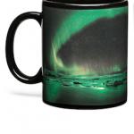 Появилась кружка, которую кофе заставляет светиться Северным сиянием