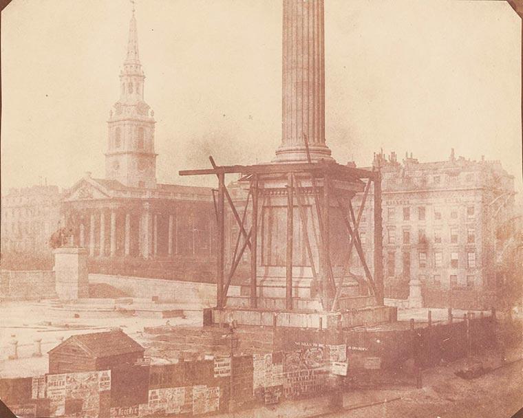установка колонны Нельсона на Трафальгарской площади